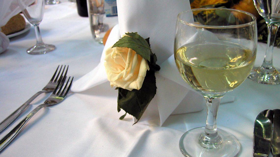 Zawieszki na butelki weselne
